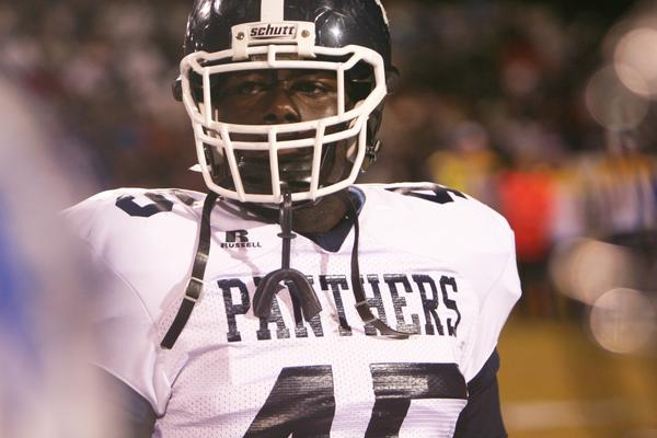 Dr. Phillips defensive tackle Kenderson Obas has committed to play at Bowling Green.