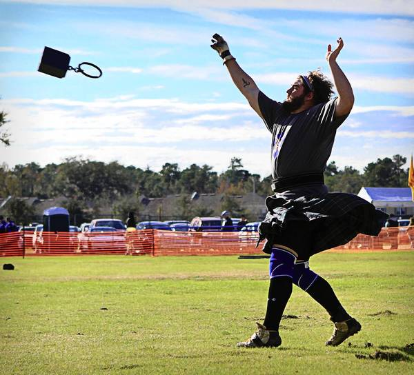 Wes Kiser, of Burlington, NC, competes for the South team in the Heavy Weight event at the 35th Annual Central Florida Scottish Highlands Games in Winter Springs, Fla. on Saturday, January 14, 2012.