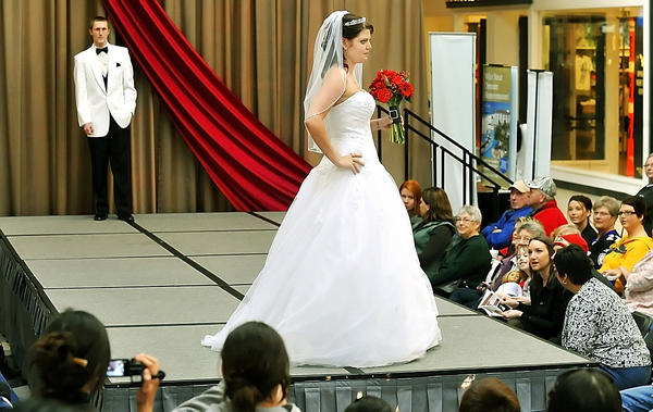 2013 Bridal & Prom Expo will be at 11 a.m. to 6 p.m. Sunday, Jan. 20, Valley Mall, 17301 Valley Mall Road, Halfway.