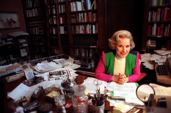 """Pauline Friedman Phillips, author of """"Dear Abby,"""" in her home office in 1998."""