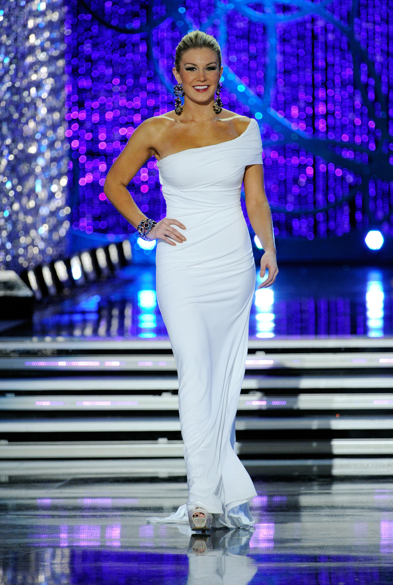 Juan Carlos Pinera winning gown for Miss America - southflorida.com