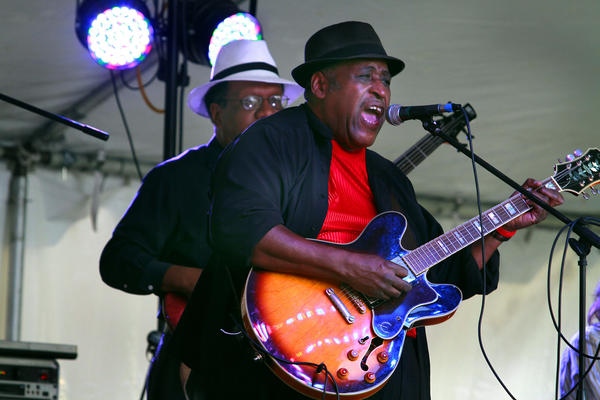 Joey Gilmore and his band were the opening act for the 1st Annual Las Olas Bluesfest  ¿Party on the Lawn,¿ next to the Riverside Hotel on Las Olas in Ft.Lauderdale, 620 Las Olas Blvd. The Blues Music Festival is a 4 day event through Sunday with live music, beer & international food.
