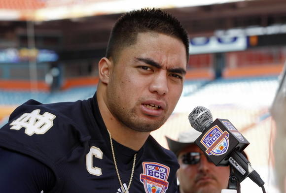 Notre Dame linebacker Manti Te'o ( REUTERS/Jeff Haynes/Files )