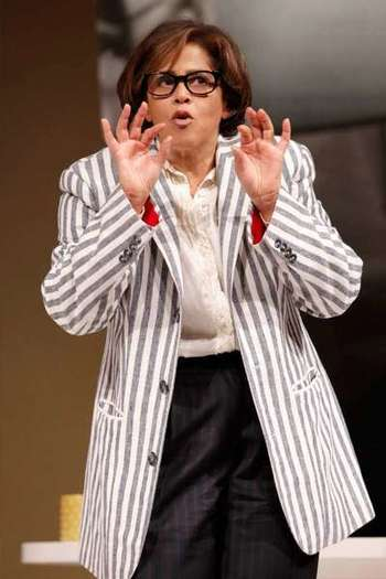 Anna Deavere Smith in `Let Me Down Easy'