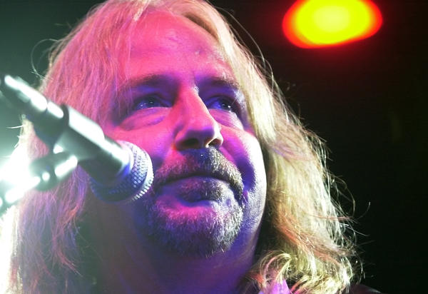 Great White singer Jack Russell will not donate concert proceeds to a foundation building a memorial to those killed in a fire at the band's 2003 show in Rhode Island.