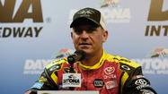 Vacation didn't heal wounds in Jeff Gordon-Clint Bowyer feud