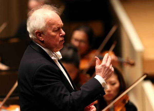 Conductor Edo de Waart leads the Chicago Symphony Orchestra in the absence of Riccardo Muti at Symphony Center in Chicago on Thursday.