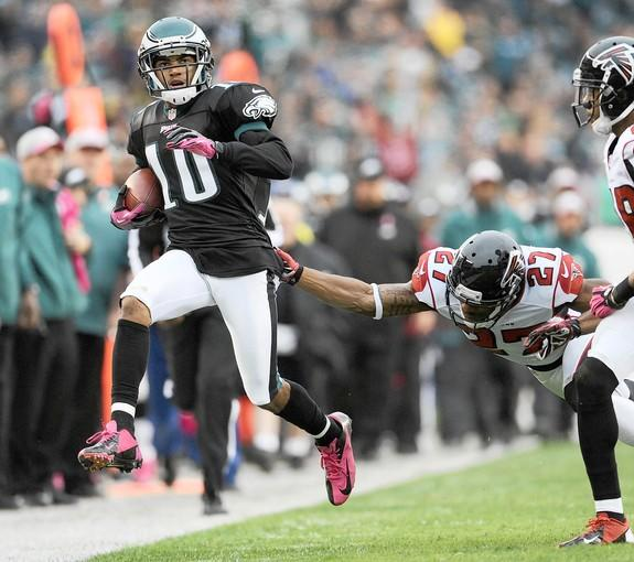 Philadelphia Eagles wide receiver DeSean Jackson (10) runs past Atlanta Falcons defensive back Robert McClain (27) at Lincoln Financial Field in Philadelphia on Sunday October 28, 2012.