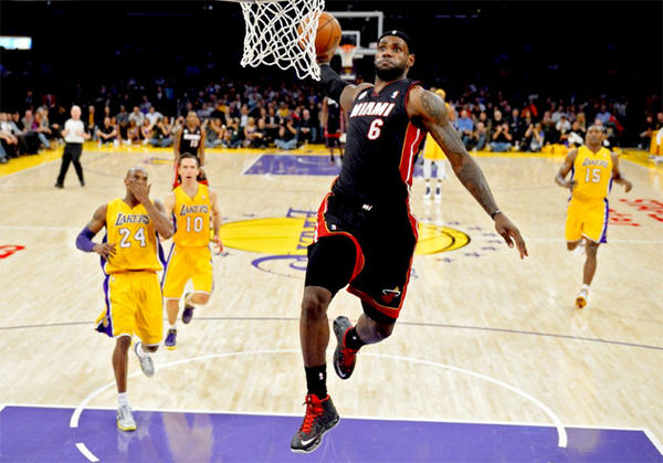 LeBron James scored 39 points on 68% shooting against the Lakers.