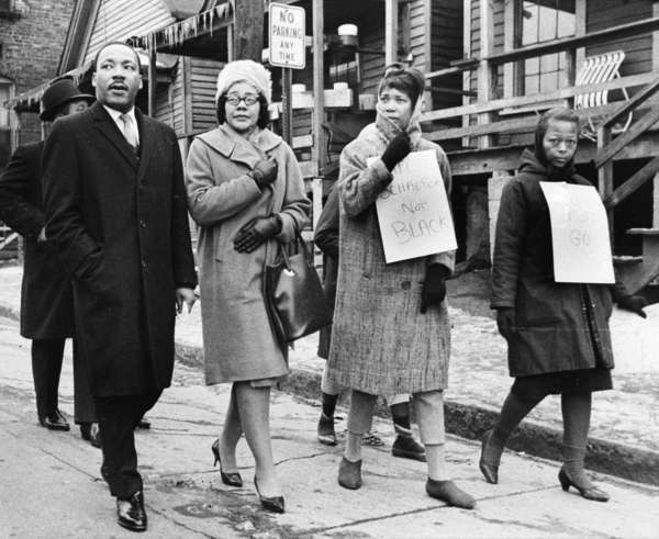 Martin Luther King Jr. joined picketers with his wife, Coretta Scott King, in icy weather in Atlanta on Feb. 1, 1966.