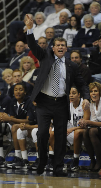 UConn coach Geno Auriemma directs his team against Duke Monday in Storrs.