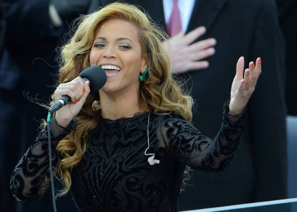 Beyonce performs the National Anthem to conclude the 57th Presidential Inauguration.