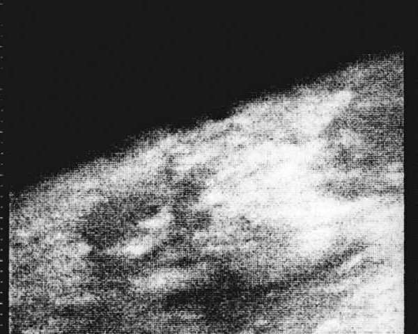 Mariner 4 took the first grainy photos of Mars.