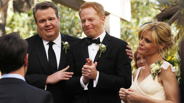 "Traditions are recalled when Gloria's (Sofia Vergara) mother (Elizabeth Pena) visits from Colombia in a new episode of ""Modern Family"" at 9 p.m. on ABC."
