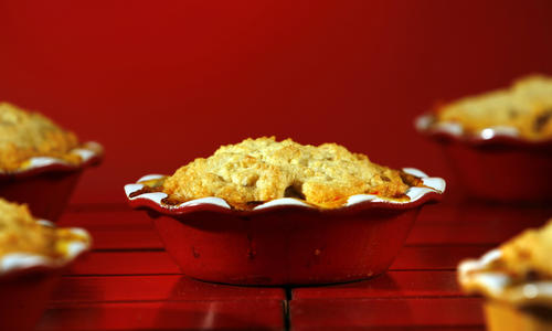 "Classic chicken pot pie is given a spicy twist with Spanish chorizo in this recipe. <a href=""http://www.latimes.com/features/food/la-fo-potpierec1jan31,0,7335634.story"">Click here for the recipe.</a>"