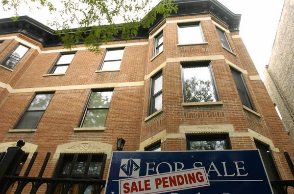 The Chicago housing market has shown signs of life, with some experts predicting a strong spring market.