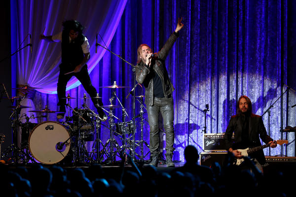 Mexican rock band Mana performs at one of President Obama's inaugural balls.