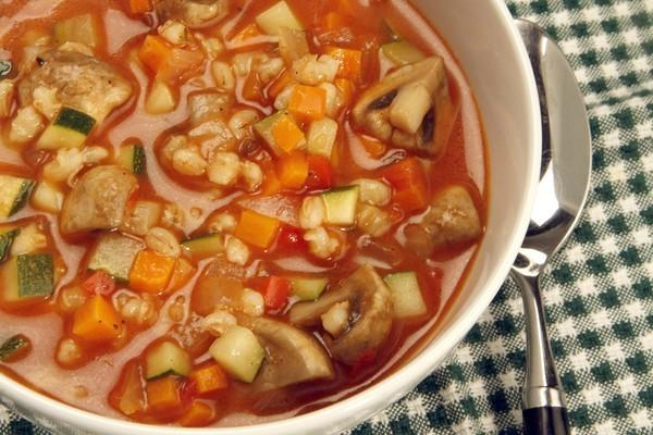 Hearty vegetable soup, adapted from Coral Tree Cafe's vegetable soup.