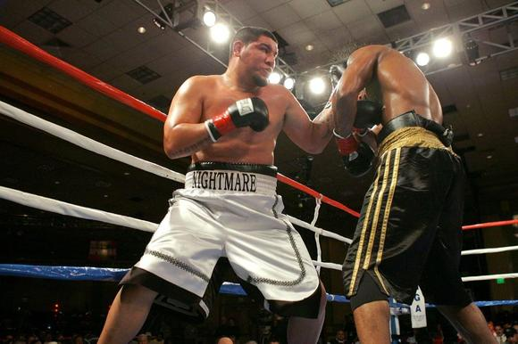 Chris Arreola, left, is 35-2 with 30 knockouts as a heavyweight boxer.