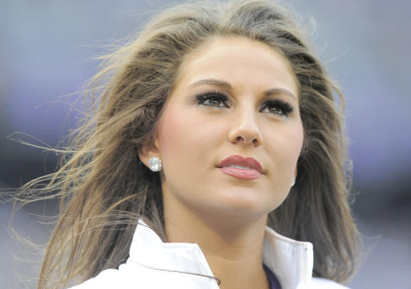 1/6/13--Baltimore, MD-- sp-p-ravens-colts-fox, --  Cheerleaders at the Baltimore Ravens vs. Indianapolis Colts NFL wildcard playoff game at M&T Bank Stadium.  Lloyd Fox, Sun Photographer  #9819