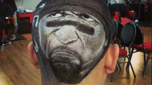 Barber honors Ray Lewis with eye-popping haircut