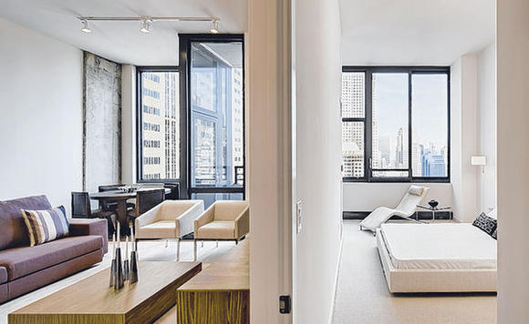 The condos at 235 Van Buren are luxurious as well as convenient to all of Chicago's top amenities.