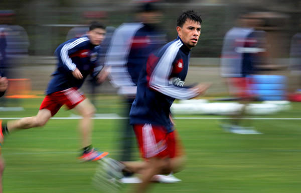 Rookie Carlos Alvarez, chosen in the first round of this month's MLS SuperDraft, works out with Chivas USA on Thursday at Home Depot Center.
