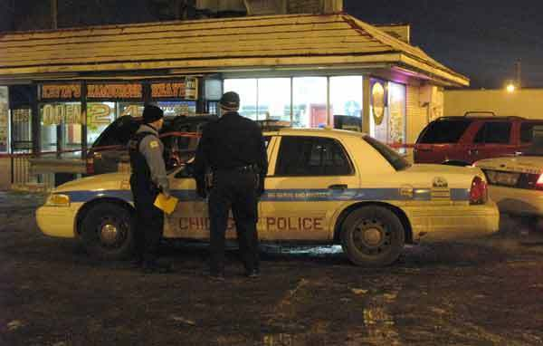 Photo: Three men were shot outside of a diner in the Bridgeport neighborhood