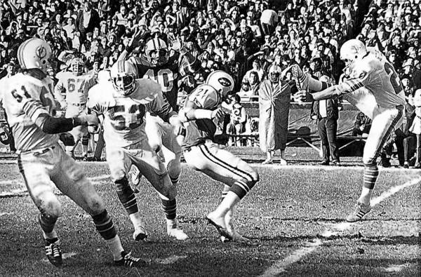 Former Miami Dolphins punter Larry Seiple, an Allentown native, boots the ball Nov. 24, 1974, against the Jets at Shea Stadium in New York. Seiple also was a prolific pass catcher for the Dolphins.
