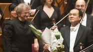 HONG KONG — The stormy ovation must have felt like a balm to a Chicago Symphony Orchestra that saw its physical fitness and mental toughness put to the test at the very outset of its 18-day Asia tour.