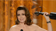 Tina Fey thanks Amy Poehler for her Best Actress in a Comedy win