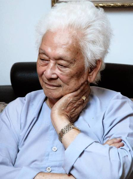 Pham Duy, shown in 2006, was considered the most famous composer of popular Vietnamese songs. He lived in California for decades before returning to Vietnam, where he died Sunday at age 91.