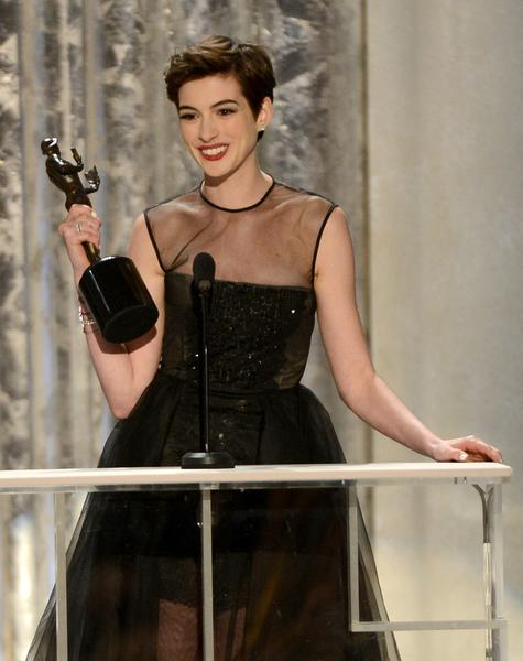 "Bonus acceptance speech points go to Anne Hathaway, who conveniently forgot the names of her agents during her acceptance speech for supporting actress in ""Les Miserables."" No one wants to hear a laundry list of people they've never heard of, and by forgetting their names, she spared everyone that pain. She also gave a shout-out to ""The Dark Knight Rises,"" which puts her square in the cool book."