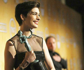 LOS ANGELES, CA - January 27, 2013  Anne Hathaway at the 19th Annual Screen Actors Guild Awards at the Shrine Auditorium in Los Angeles, CA on Sunday, January 27, 2013.  (Al Seib / Los Angeles Times)