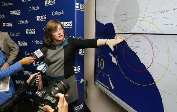 U.S. Geological Survey seismologist Lucy Jones explains a demonstration of an earthquake early-warning system at Caltech. State Sen. Alex Padilla (D-Pacoima) introduced legislation on Monday to create a statewide system that would warn people seconds before the ground starts shaking.