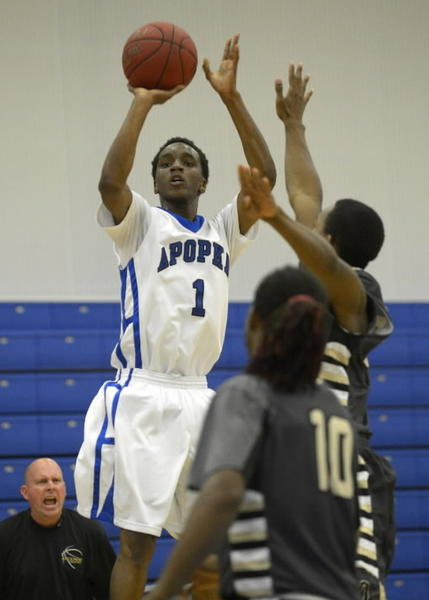 Joe Chealey, shown here during a game against Ocoee, scored 15 points in Apopka's 79-51 win over East River on Monday. (Phelan M. Ebenhack/Special to the Sentinel)