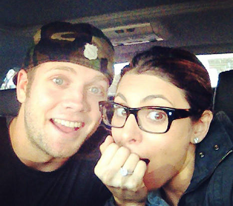 Cutter Dykstra and Jamie-Lynn Sigler tweeted their engagement.