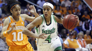No. 2 Notre Dame outlasts No. 9 Lady Vols 77-67