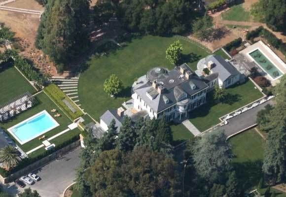 An estate in the Northern California community of Woodside has sold for $117.5 million.