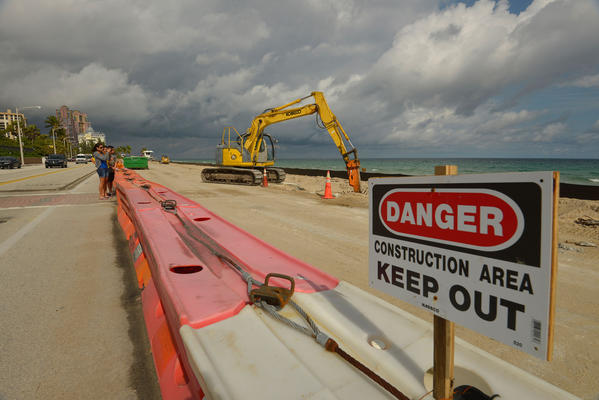 Jan 21, 2013 began the work on A1A to replace the wall between A1A and the Atlantic OceanÖThe removal of the existing wall and drilling  for the new barrier wall between  NE 14th Court and NE 18 Street  north of Sunrise Blvd from 7am to 7 pm Monday through Saturday 9am to 7pm Sunday until the project is finished.