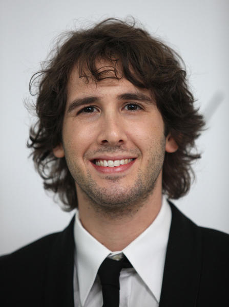 "Crooner <a class=""taxInlineTagLink"" id=""PECLB0040384451"" title=""Josh Groban"" href=""/topic/entertainment/music/josh-groban-PECLB0040384451.topic"">Josh Groban</a> is celebrating his 29th birthday today."