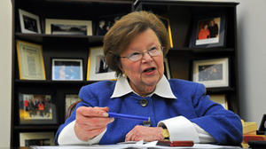 Mikulski seeks executive order on pay equality