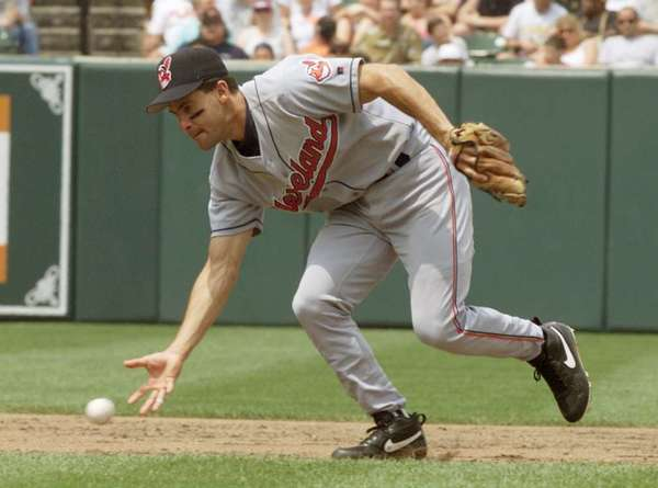 Omar Vizquel with the Indians in 2000.