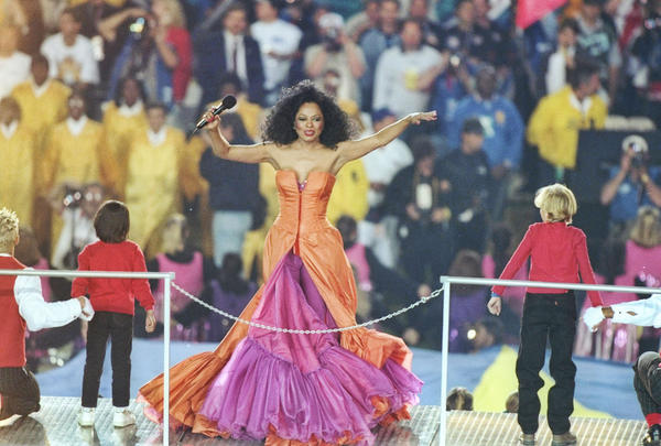 Diana Ross performs at the halftime show during Super Bowl XXX between the Dallas Cowboys and Pittsburgh Steelers at Sun Devil Stadium in Tempe, Arizona on January 28, 1996.  The Cowboys won the game 27 - 17.