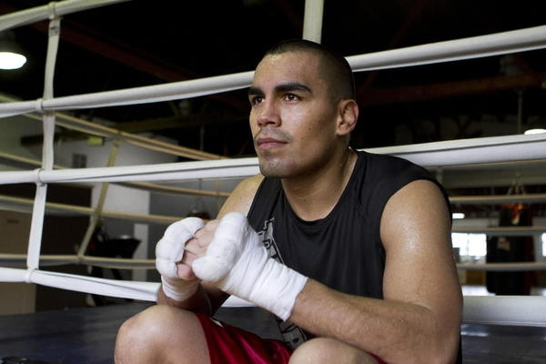 McKinley Park resident Carlos Molina is preparing for the biggest fight of his boxing career Friday at the UIC Pavilion.