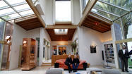 Frank Gehry's Schnabel House, back in spotlight