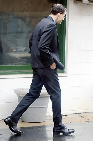 Terry Porter walks to a vehicle after his preliminary hearing Wednesday at Washington County District Court.