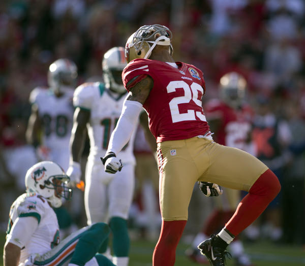 San Francisco cornerback Chris Culliver made it clear Wednesday that gays are unwelcome in his locker room.