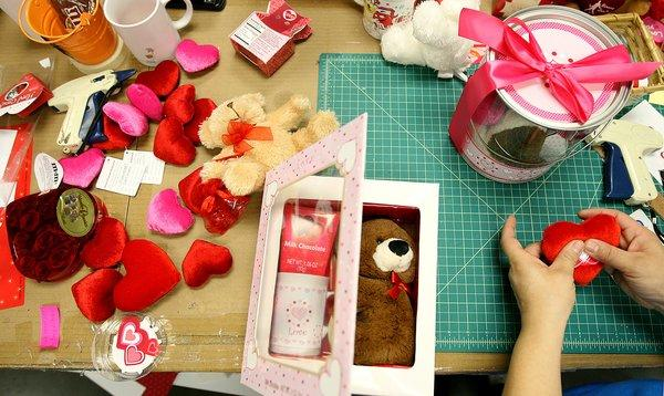 Americans will spend more than $20 billion to celebrate Valentine's Day in 2013.