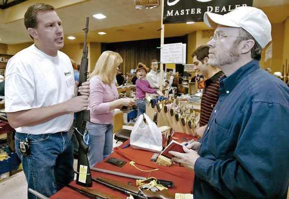 Glendale commissioners and residents say recent surges in attendance at other area gun shows could come to the Glendale Gun Show in March, particularly since it could the last on city property.